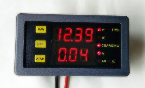 Áram és kapacitás mérő műszer CCM30